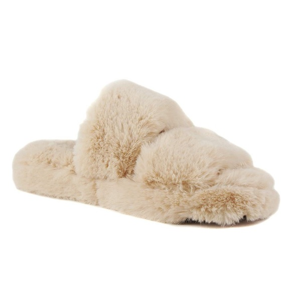 Soda Women Soft Fur Fuzzy Fluffy Sandals Natural